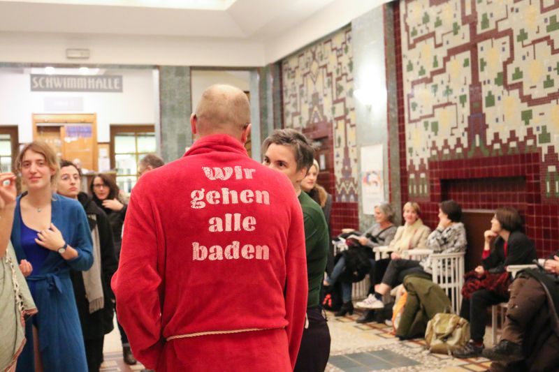 One of the screen-printed bathrobes realised for the occasion © Clara Hirschmanner